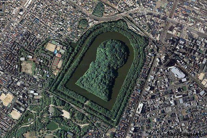 мавзолей императора Нинтоку