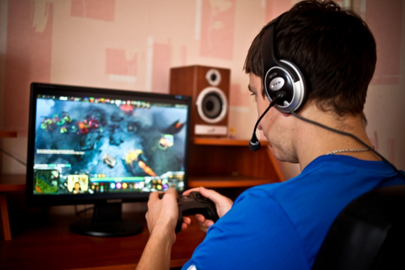online gaming issues Solved ping issues on online gaming solved advice on using a controller for online gaming ie rainbox six siege and cs go what can cause stutter/freezing in online multi player while gameing.