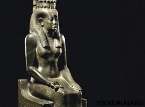статуя богини Изиды