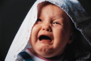 Вреден ли плач ребенку
