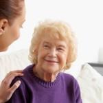 Помощь квалифицированной сиделки в реабилитации больного после инсульта