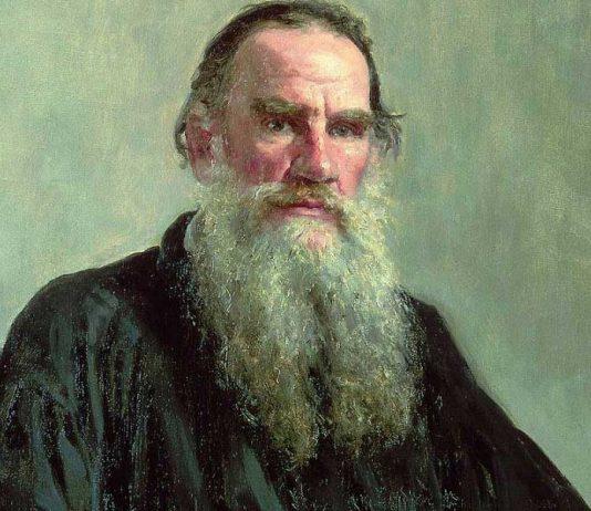 Почему Льва Толстого предали анафеме?