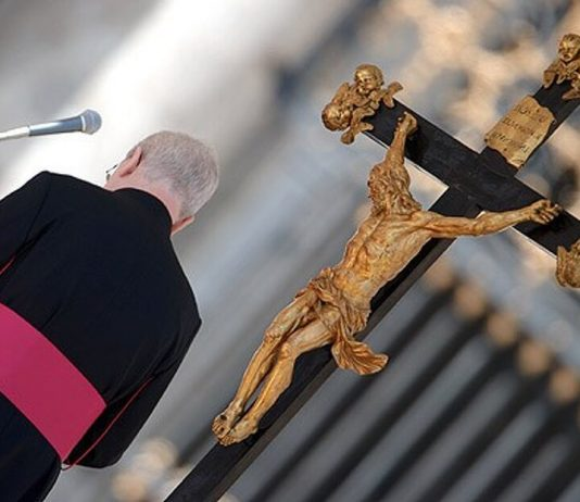Почему монахи дают обет безбрачия?