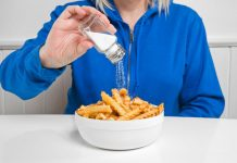Почему тянет на соленое: причины потребления большого количества соли