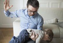 Почему появляется желание ударить ребенка?