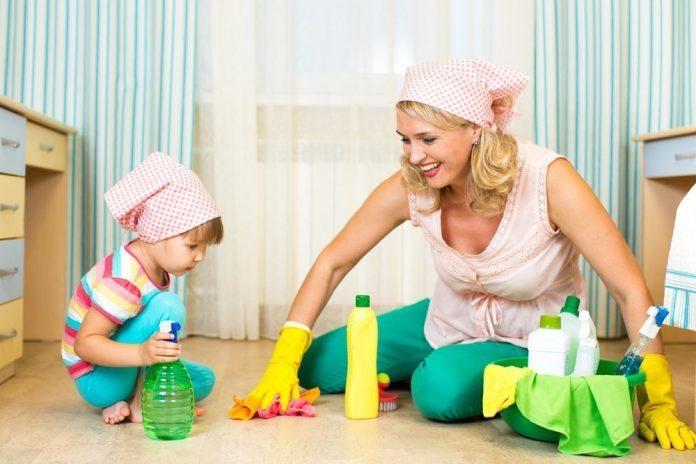 Когда и как приучать ребенка к труду?