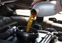Почему не всегда нужно слушать автопроизводителей о сроках замены масла?