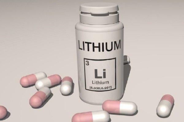 Почему принимают литий?
