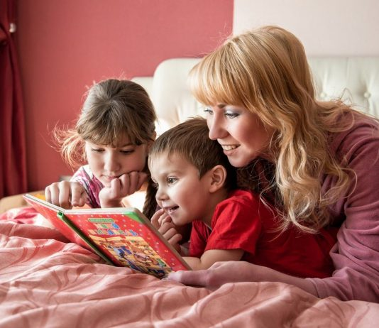 Почему нужно читать детям?